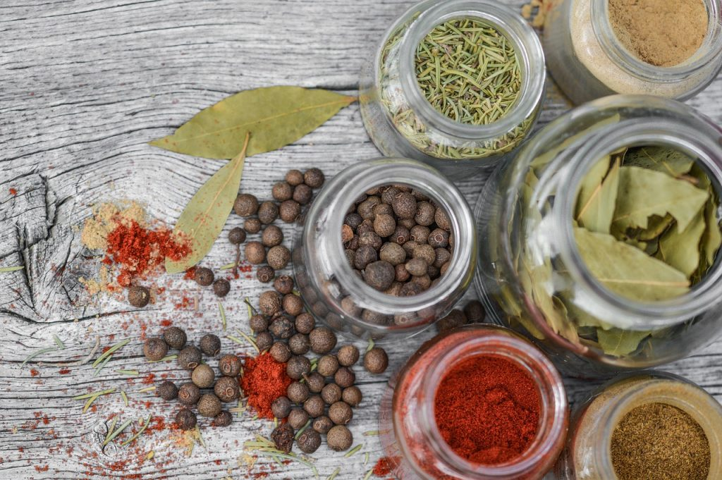 spices used in the old days for women to wear makeup