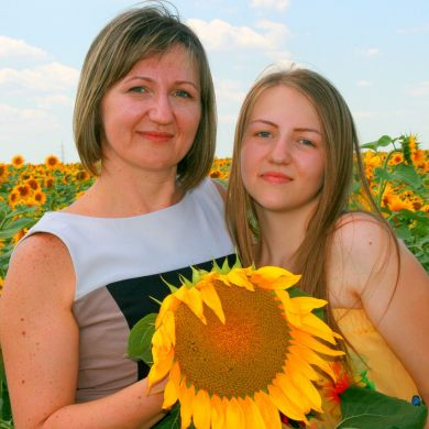 mother with daughter thinking back to teenage life lessons