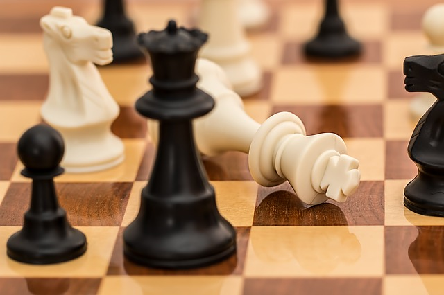 checkmate shown in the game of chess which can be a bonding experience for couples